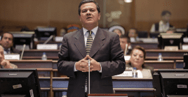 El asambleísta Eliseo Azueroposiblemente tenga que responder por los presuntos delitos de enriquecimiento ilícito y lavado de activos.