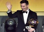 El futbolista argentinoLeonel Messi, ganador del Balón de Oro de la temporada pasada, conservará dicho honor un año más.
