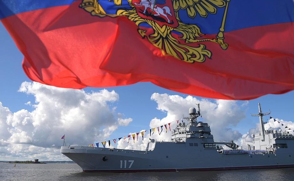 Presidente Vladímir Puntin destacó la amplia modernización de la Armada rusa, con el ingreso de 40 nuevos buques de guerra.