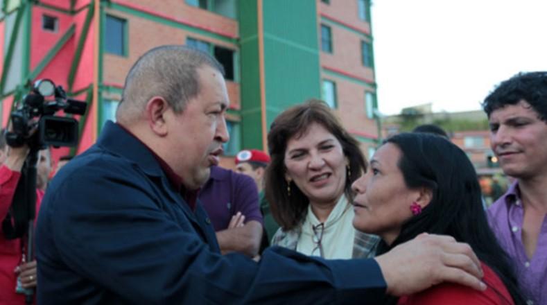 Varias familias han tenido acceso a viviendas dignas gracias a un programa impulsado por Chávez que lleva ya más de 3 millones de casas entregadas.