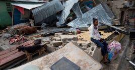 En República Dominicana, Isaíasdañó las estructuras de alrededor de mil casas y generó inundaciones.