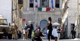 El arribo de los habitantes del país desde el extranjero, esencialmente los jóvenes que regresan de vacaciones, se ha convertido en una preocupación de salud para el Gobierno italiano.