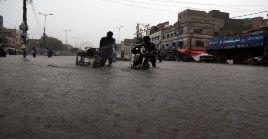 Según el jefe del Departamento de Meteorología de Pakistán, Sardar Sarfraz, Karachi recibió lluvias sin precedentes.