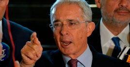 Uribe está en detención domiciliaria por decisión de la Corte Suprema, la cual consideró que el exmandatariopodríaobstruir la justicia.