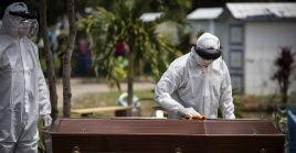 Especialistas alertan que cifras de fallecidos por Covid-19 podría triplicarse durante los próximos cuatros meses.