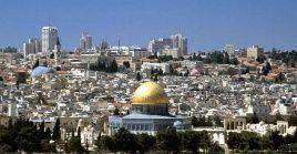 Jerusalén resulta sagrada para cristianos, musulmanes y judíos y cualquier medida que cambie el estado de la urbe es inválida y por tanto ilegal.