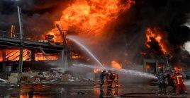 El incendio afectó un área en que se almacenaban donaciones de alimentos llegadas a El Líbano tras las explosiones del 4 de agosto.