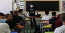 """Presidente italiano Sergio Mattarella se refirió a que """"la inauguración del curso escolar, nunca como en esta ocasión, tiene el valor y significado de un reinicio para toda la sociedad""""."""