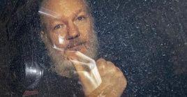 Assange se enfrenta a una sentencia de 175 años de cárcel por 18 cargos que presentó en su contra la justicia de EE.UU.