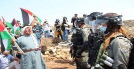 Los palestinos rechazan el reciente acuerdo entre Israel y monarquías del Golfo Pérsico, y prosiguen en la lucha por sus territorios y sus derechos.