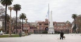 La cancillería argentina invitó a la presidenta de facto a concentrarse en las elecciones del 18 de octubre en Bolivia.