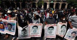"""Cristina Bautista, madre de uno de los 43, dijo esperar que """"pronto alcancemos la verdad, saber dónde están nuestros hijos""""."""