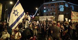 Los manifestantes se concentraron este sábado en las inmediaciones de la residencia del jefe de Gobierno.