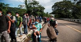 López-Gatell afirmó que es improbable que la caravana migrantes represente un problema de salud pública.