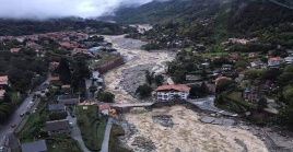 Las autoridades indicaron que un puente se derrumbó bajo la presión del agua en la región de Alpes-Marítimos.