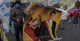 Simpatizantes del expresidente Correa condenan el fallo judicial en su contra.