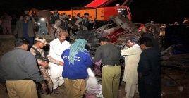 El siniestro tuvo lugar a primeras horas de la mañana a unos 260 kilómetros al norte de  la ciudad de Lucknow, en el estado de Uttar Pradesh.
