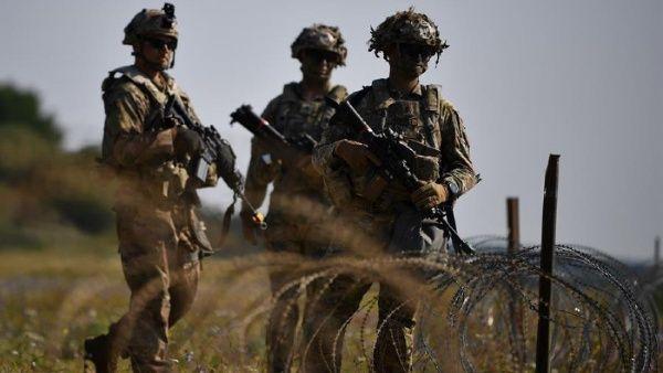 El despliegue de tropas que mantiene Estados Unidos, que incluye actuación en varias guerras y presencia de las tres armas en todos los continentes, conlleva el mayor gasto militar del planeta.