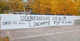 La Policía francesa descubrió las pintadas en varios puntos de la comuna de Bron, situada en las afueras de Lyon, al este de Francia.