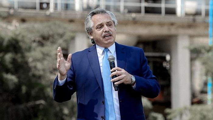 Presidente de Argentina descarta devaluación de la moneda nacional