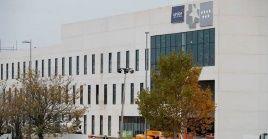 Pese a protestas llevadas a cabo por el personal de la salud, al nuevo hospital Isabel Zendal destinado al enfrentamiento contra la Covid-19, no se le designarán nuevos trabajadores, sino que estos serán contratados en otras instalaciones sanitarias.