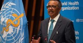 """El director general de la OMS Tedros Adhanom Gebreyesus expresó que """"los progresos en el desarrollo de una vacuna nunca se habían realizado con tanta rapidez""""."""