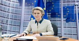 Úrsula von der Leyen instó a los Estados miembros de la Unión Europea a desarrollar campañas de vacunación.