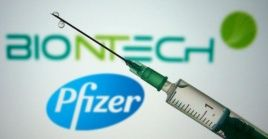 Las vacunas de Pfizer y de Moderna costarán entre 15 y 21 euros y necesitan almacernarse a muy bajas temperaturas para mantenerse estables.