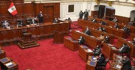 Con una votación de 111 a favor, 7 en contra y una abstención, el parlamento aprobó al nuevo gabinete liderado por Violeta Bermúdez.