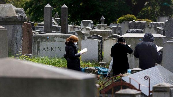 EE.UU. volvió a cruzar la barrera de las 2.000 muertes diarias como durante el apogeo de la primera ola de la epidemia.
