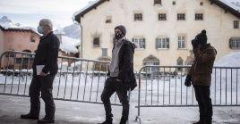 El ministro suizo de Salud, Alain Berset, pidió a los ciudadanos de los países vecinos no trasladarse a Suiza para esquiar durante las vacaciones de Navidad y Año Nuevo.