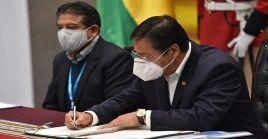 El Gobierno boliviano mantiene reuniones con los diferentes países, laboratorios y farmacéuticas que producen vacunas para cerrar acuerdos.