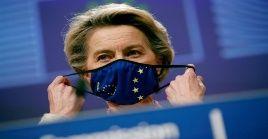 En diciembre de 2020, la Comisión autorizó la primera vacuna contra la Covid-19 para su uso en la UE.