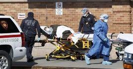 Estados Unidos continúa reportando cifras crecientes de contagio y hospitalizaciones a causa de la Covid-19.