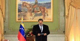 El presidente venezolano Nicolás Maduro saludó a los invitados internacionales que asistieron a la instalación de la Asamblea Nacional.