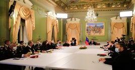 La instalación oficial del Consejo de Defensa y del Consejo de Estado contó con la presencia del alto mando de las FANB y representantes de la oposición.