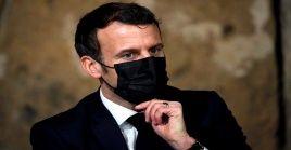 Enmanuel Macron precisó que transformar la industria espacial significa modernizar el sector aeronáutico.