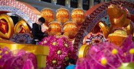 Además desfiles, fuegos artificiales, comida tradicional y bailes con dragones, el Año Nuevo en China está representado por el animal de su horóscopo que corresponda al ciclo lunar.