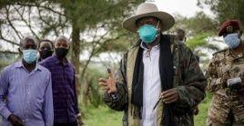 Museveni, de 76 años, hizo campaña para un sexto período con el argumento de que su larga experiencia en el cargo lo convierte en un buen líder