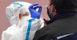En España, desde el comienzo de la crisis sanitaria se han contagiado con Covid-19, 2 millones 336.451 personas.