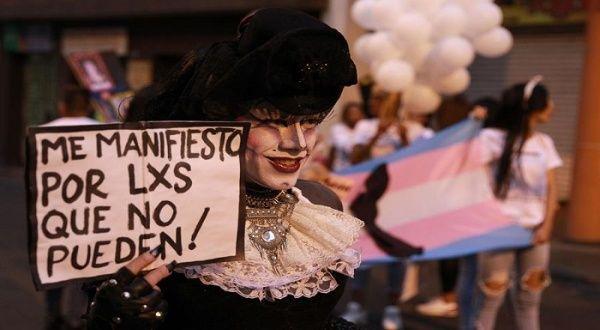 Feministas emiten en España manifiesto por derechos trans