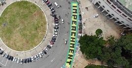 La protesta de la derecha ocurrió un día después que sectores sociales y políticos de izquierda articularon 87 caravanas en el país para exigir el juicio a Bolsonaro.