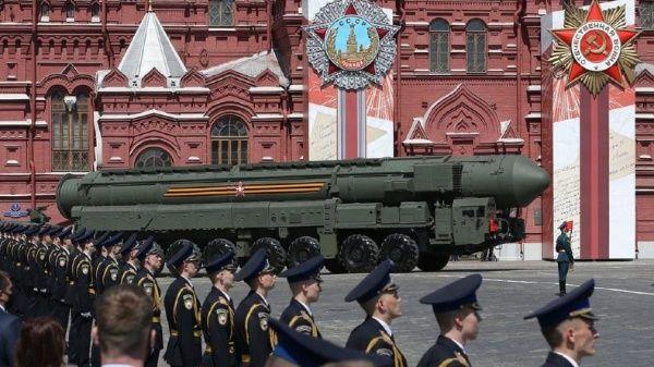 Rusia y Estados Unidos son las principales potencias nucleares y el control de las mismas está limitado por las versiones de los START.