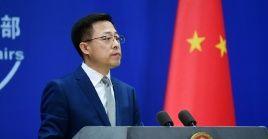 El portavoz chino, Zhao Lijian emitió sus declaraciones en respuesta a la secretaria de Comercio de EE.UU., Gina Raimondo, quien pretende continuar con la política agresiva hacia China