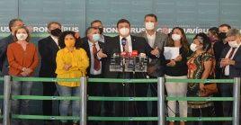 Los firmantes han enfatizado que el ultraderechista viola a diario la Constitución al no garantizar el derecho a la salud.