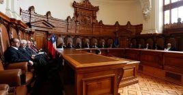 La Corte de Apelaciones de Santiago condenó a cuatro exrepresores y un exfuncionario de Gendarmería por dos delitos consumados de homicidio, y cinco homicidios frustrados cometidos durante la dictadura