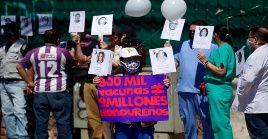 Médicos hondureños exigen la dimisión de la ministra de salud debido a la mala gestión de esta entidad para atender la crisis sanitaria.
