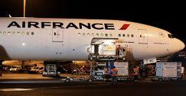 El lote de vacunas aterrizó en el aeropuerto Jorge Chávez del Callaoen un vuelo de Air France procedente de Beijing.