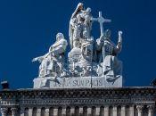 El Cementerio fue efectivamente llamado así, en reverencia al navegante y explorador Cristóbal Colón.