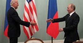 En 2018, el entonces presidente de EE.UU., Donald Trump, sostuvo un encuentro con Putin en la capital finlandesa.